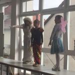 3 Sängerinnen mit eigenem Gedicht